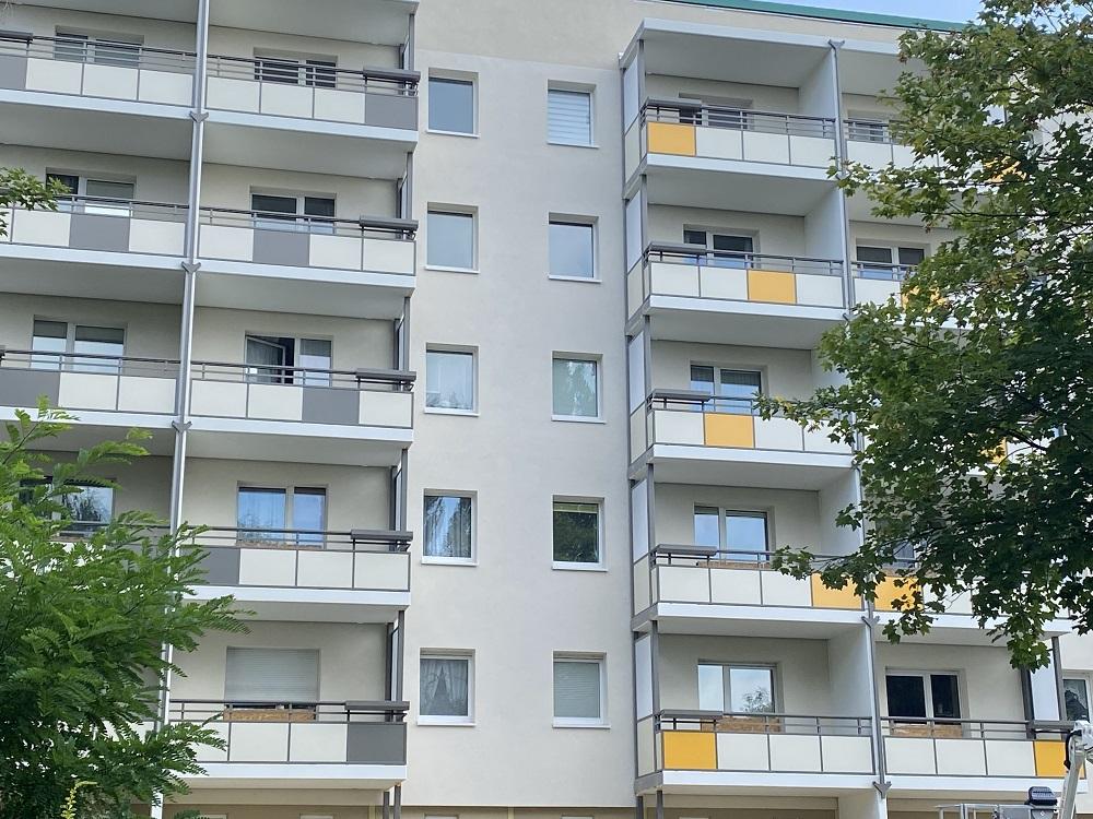Fassadensanierung und Anbau von Balkonen